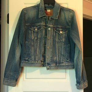 NWOT Levi's denim jacket
